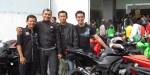 Dua biemers dan dua ninjaers berfoto sebelum berangkat